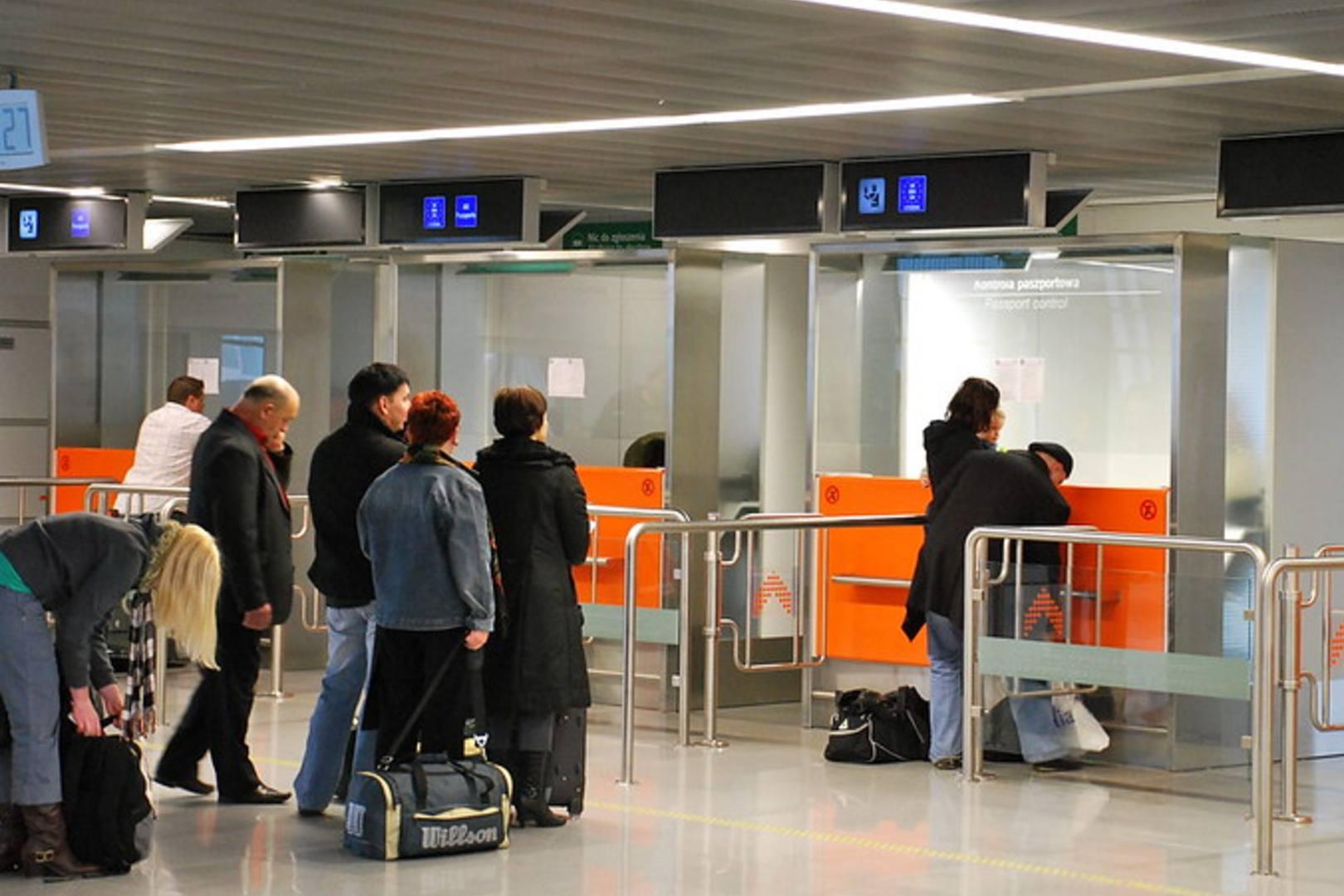 Lotnisko Chopina wprowadza 2 punkty pobrań