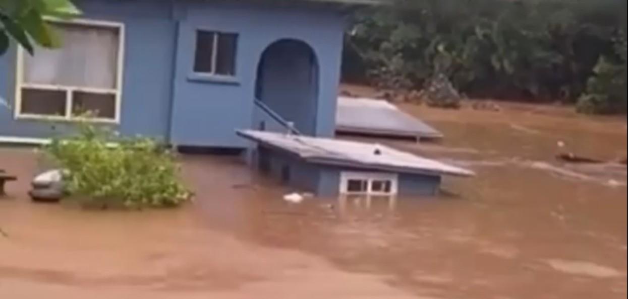 Hawaje walczą z powodzią