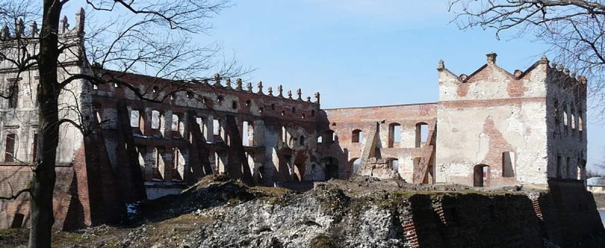 Zamek w Krupem zachwyca turystów