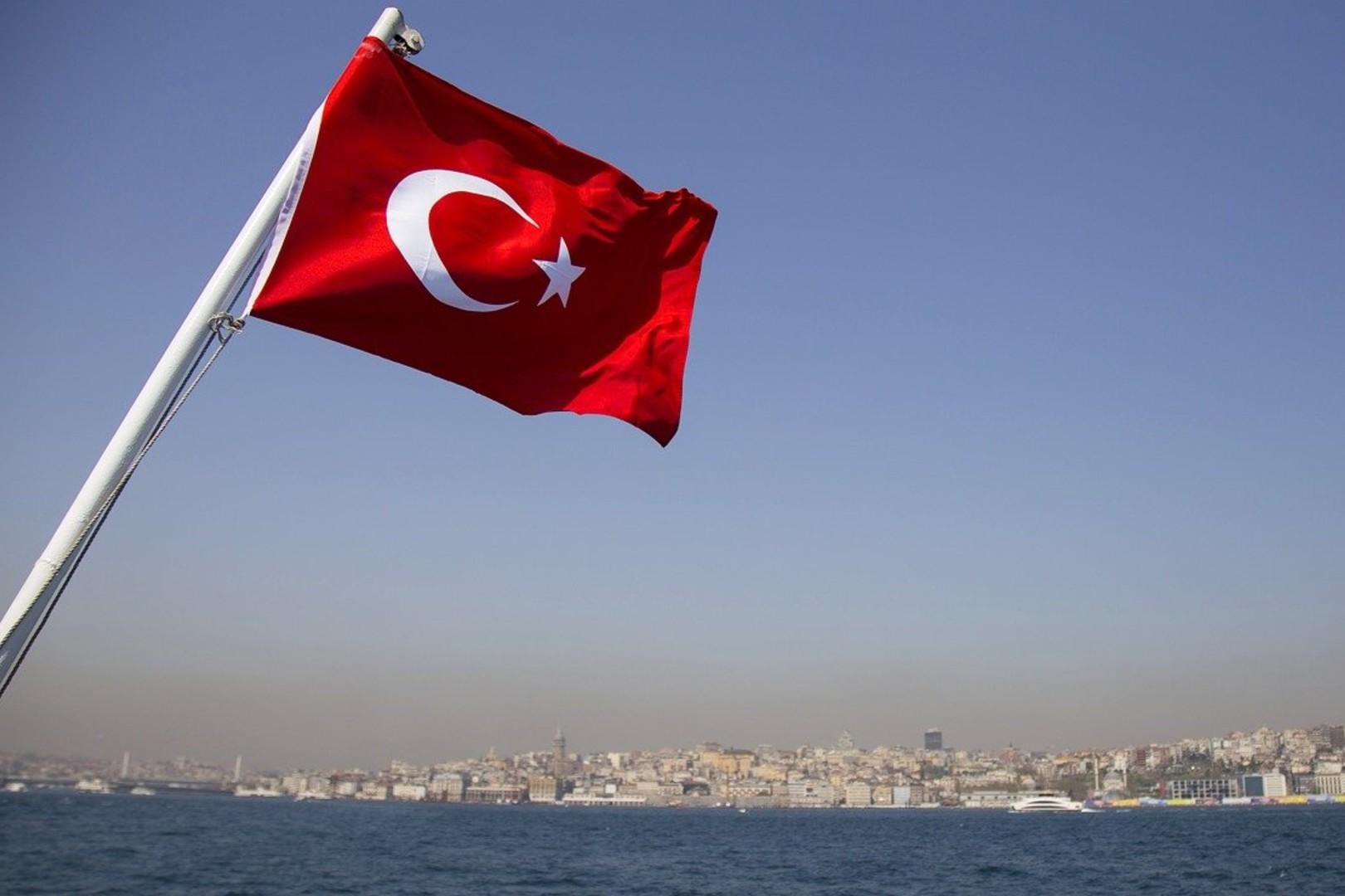 Turcja łagodzi obostrzenia, ale nie dla Polaków