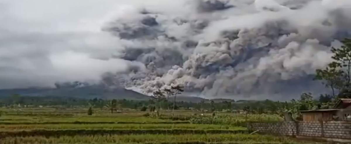 wulkan na Jawie