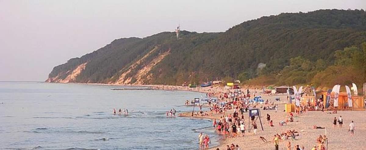 ekspert mówi o wakacjach i zamykaniu granic