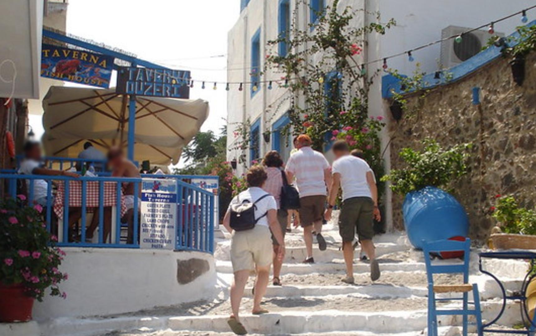 Polacy musieli szybciej wracać z wakacji w Grecji