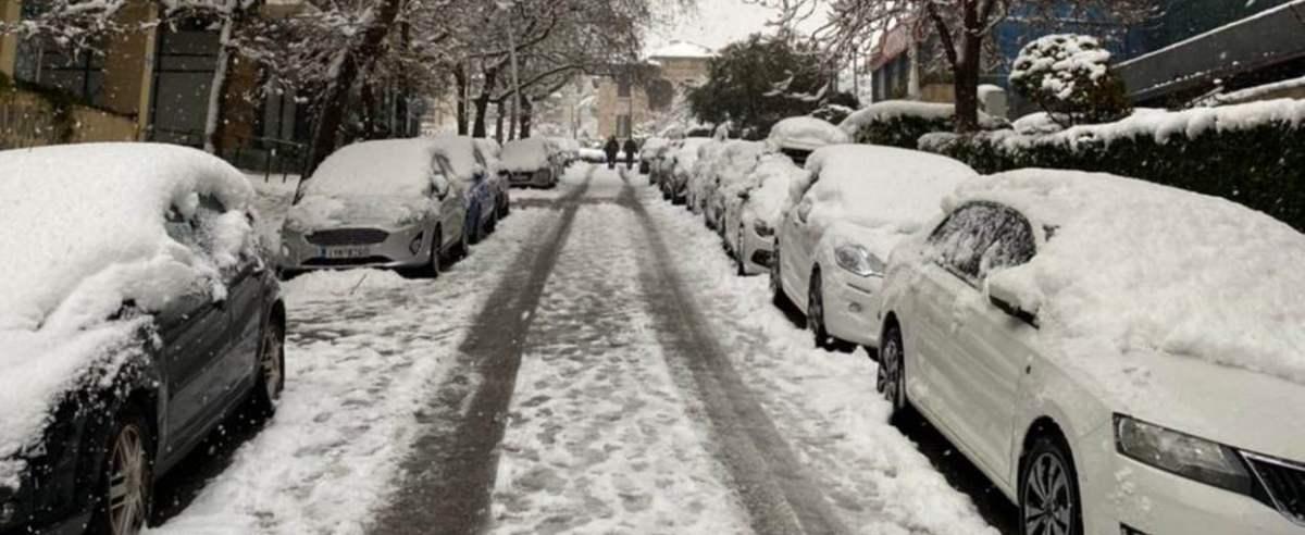 w Atenach spadł śnieg