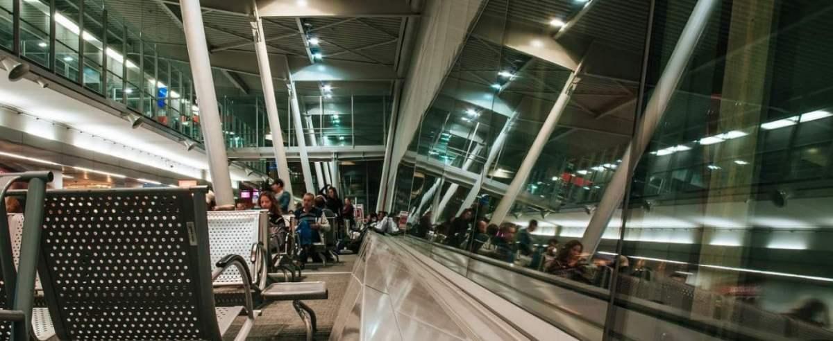Koronawirus w Polsce. Kłopoty lotnisk
