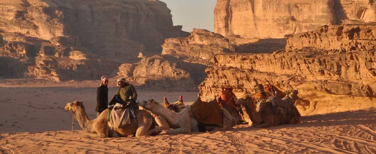 Polak spędził noc na pustyni