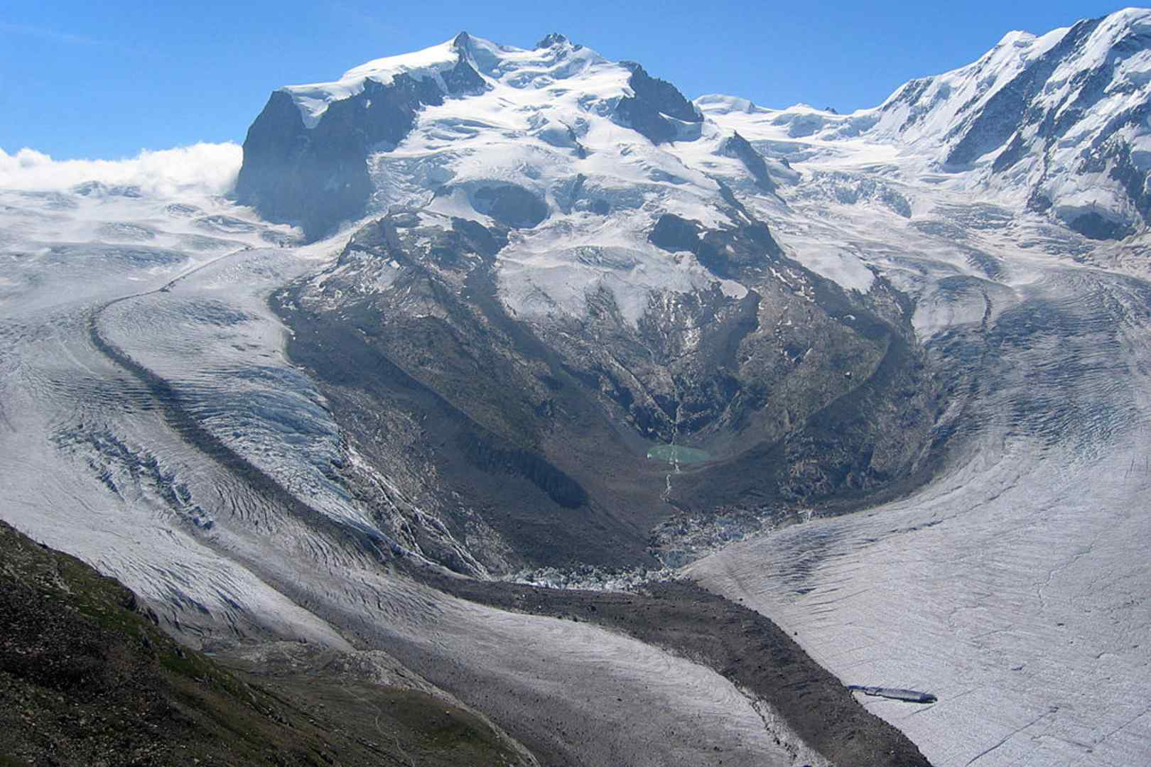 lawina w szwajcarskich Alpach zabiła 1 osobę