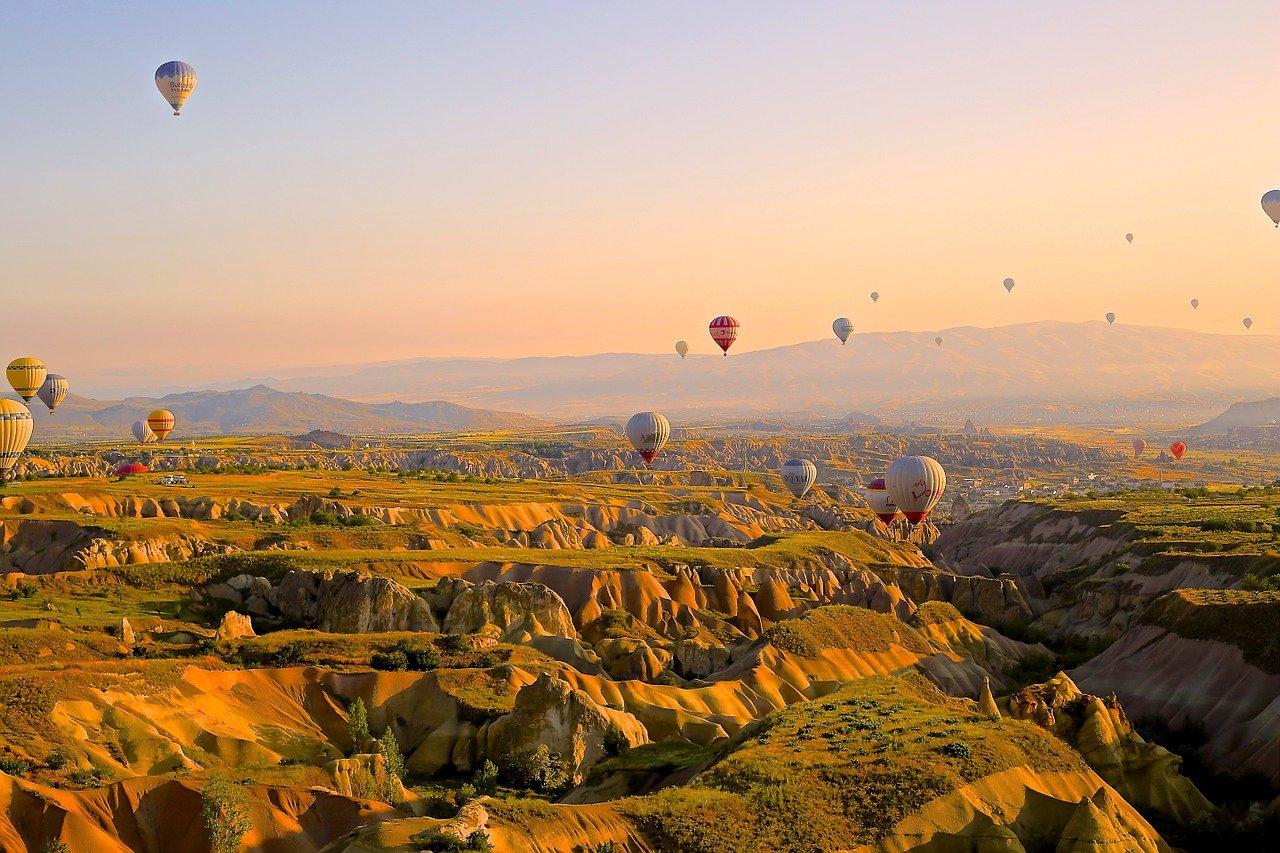 hot-air-ballons-828967-1280-1614086850.jpg