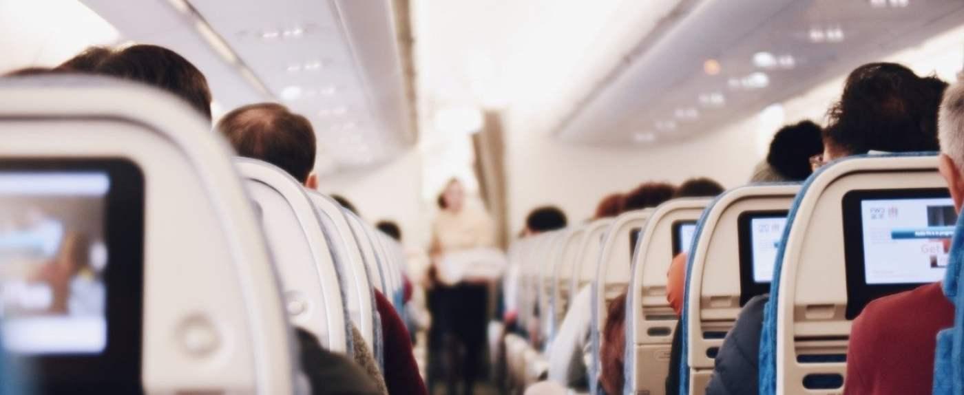 linie lotnicze rozdają bilety