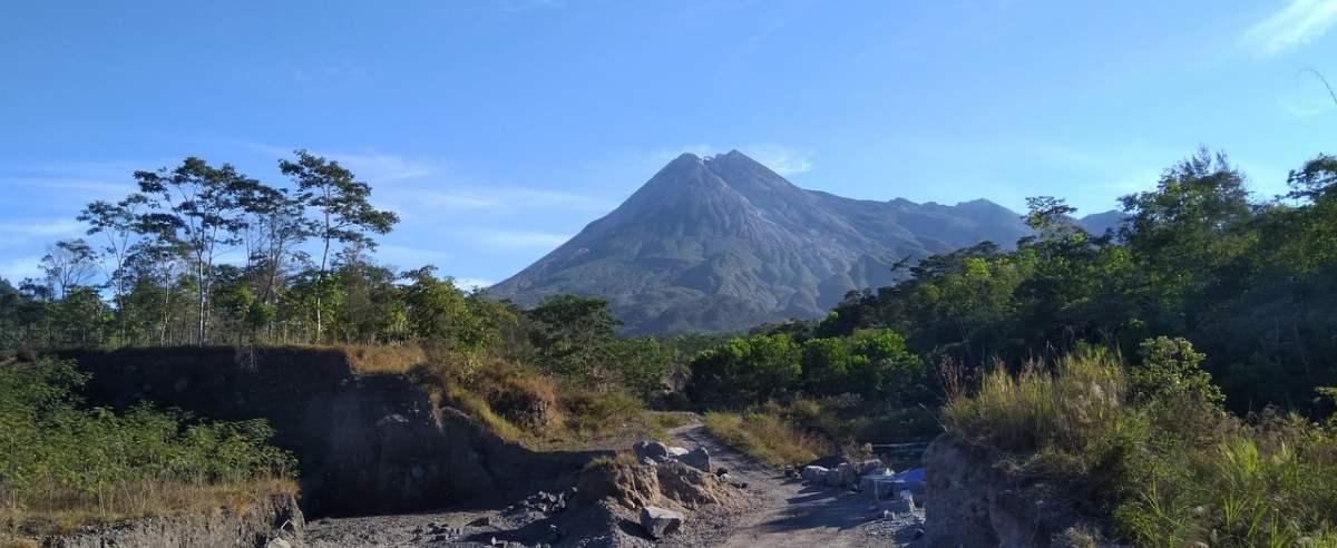 Wybuchł wulkan w Indonezji
