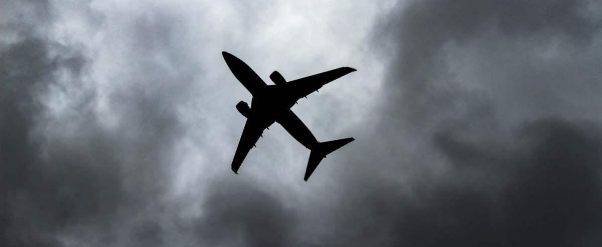 samolot nie jest bezpieczny przy covid-19