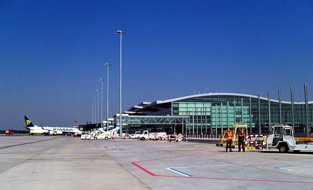 lotnisko-we-wroclawiu-1613388311.jpg