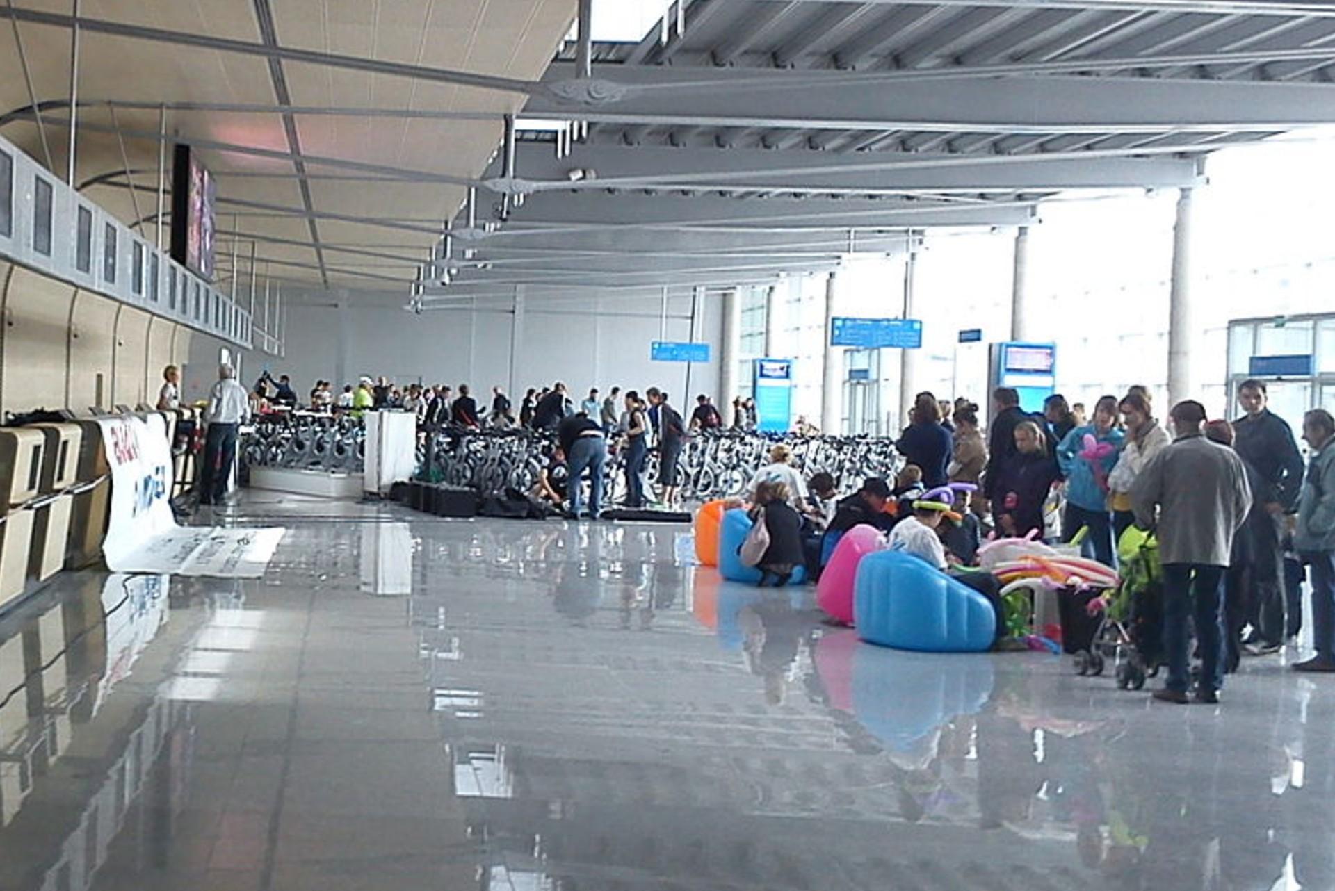 Pasażerka na lotnisku w Poznaniu powiedziała, że ma bombę