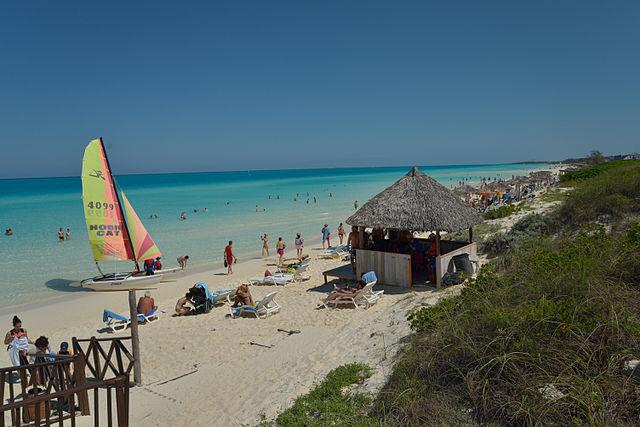 santa-maria-beach-kuba-1614114235.jpg