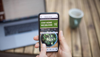 home delivery app on mobile phone