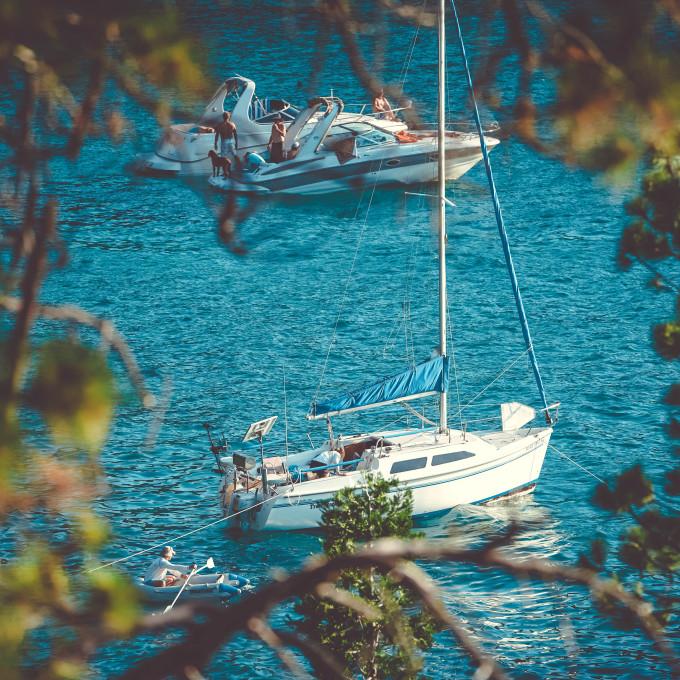 Discover Lake Tahoe boat rentals | Vrbo