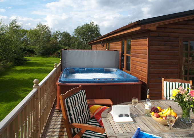 Relax In A Last Minute Lodge With Hot Tub Vrbo Uk