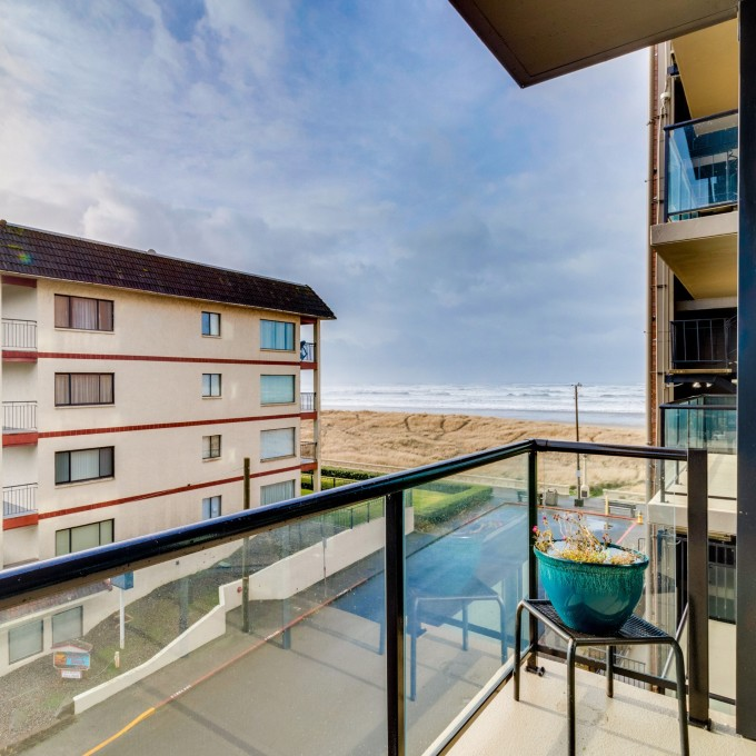 Admirable Oregons Fun Loving Seaside Vacation Rentals Vrbo Home Interior And Landscaping Spoatsignezvosmurscom