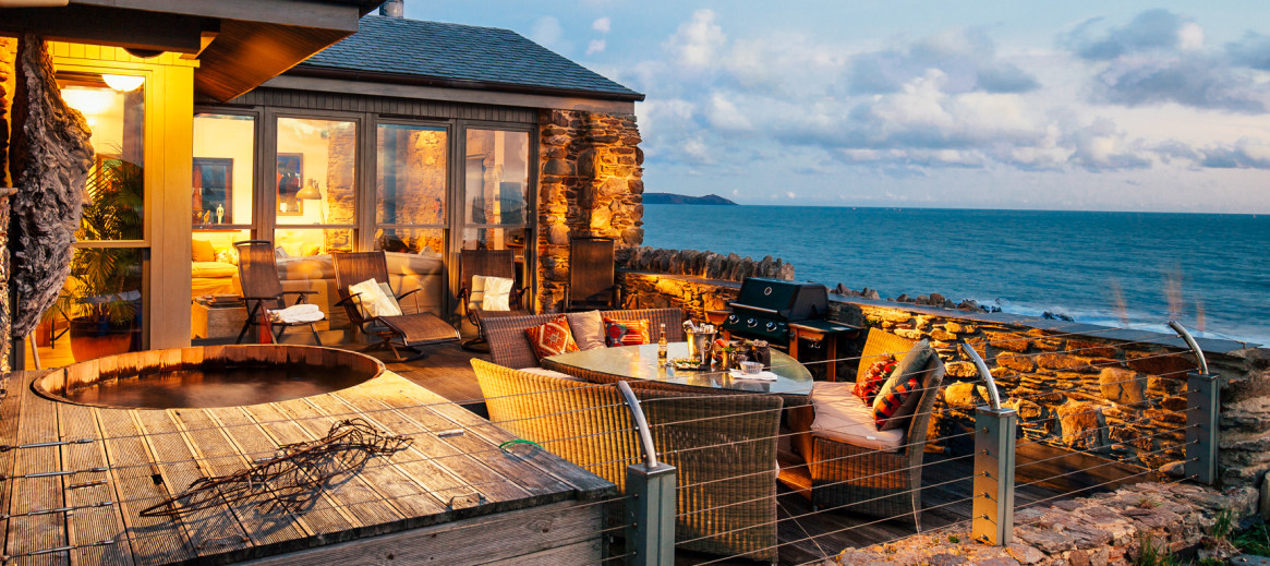 Stupendous Cottages With Hot Tubs In Cornwall Homeaway Beutiful Home Inspiration Xortanetmahrainfo