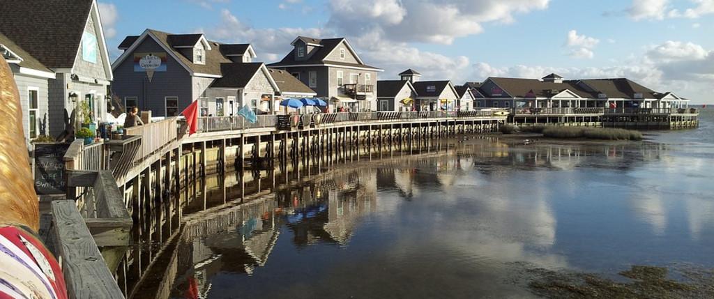 Astounding Top Spots For North Carolina Beach Condo Rentals Vrbo Download Free Architecture Designs Grimeyleaguecom