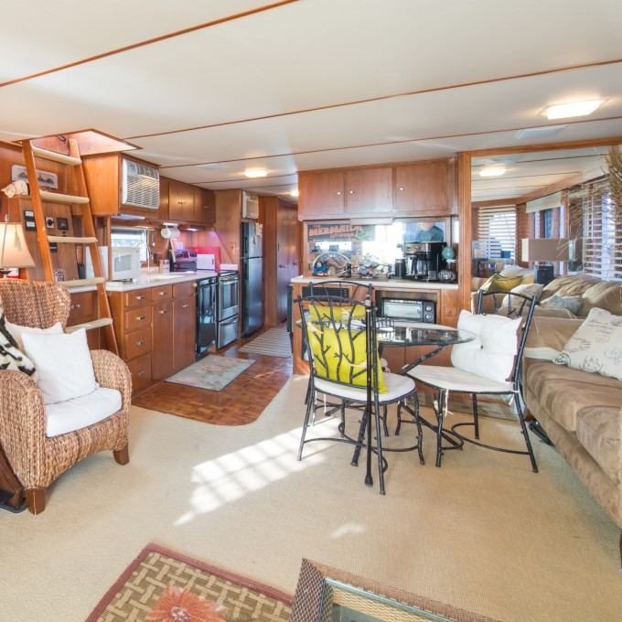 Lake Havasu houseboat rentals | Vrbo