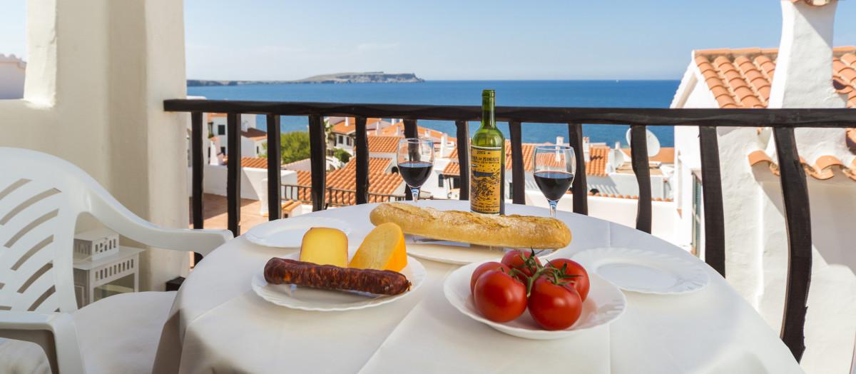 Last minute Menorca — affordable Menorca accommodation ...