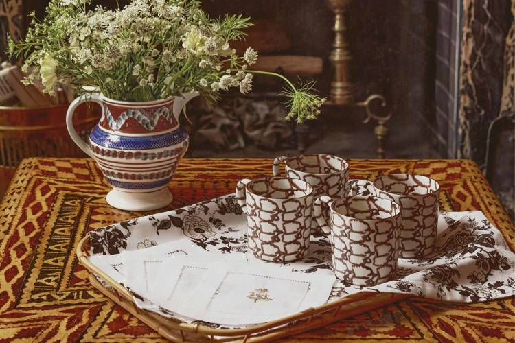 tablescape-thanksgiving-holding-landscape-tory-burch