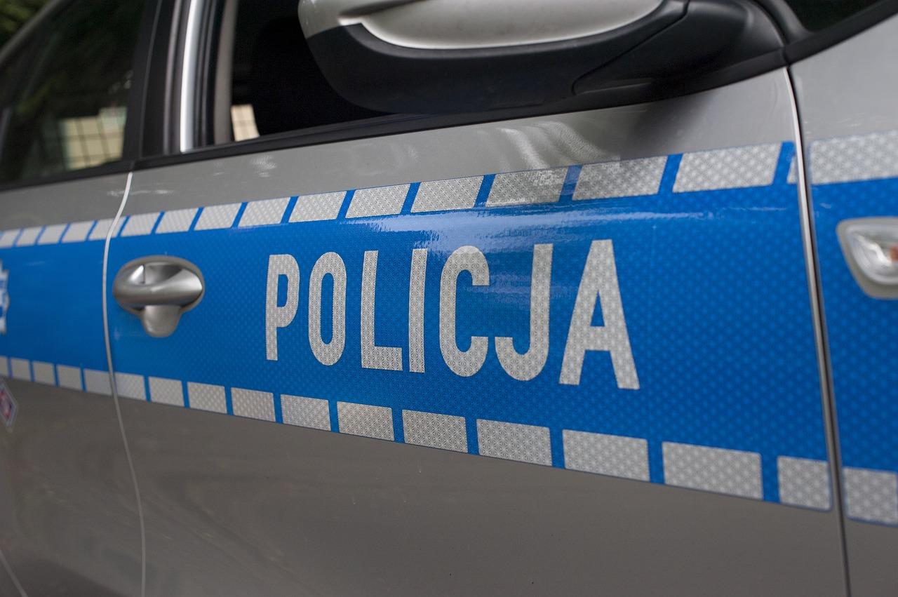 Policjantka skasowała trzy pojazdy w trakcie służby. Dostała mandat