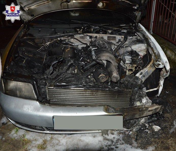 Policja zatrzymała mężczyznę, który podpalił auto partnerki