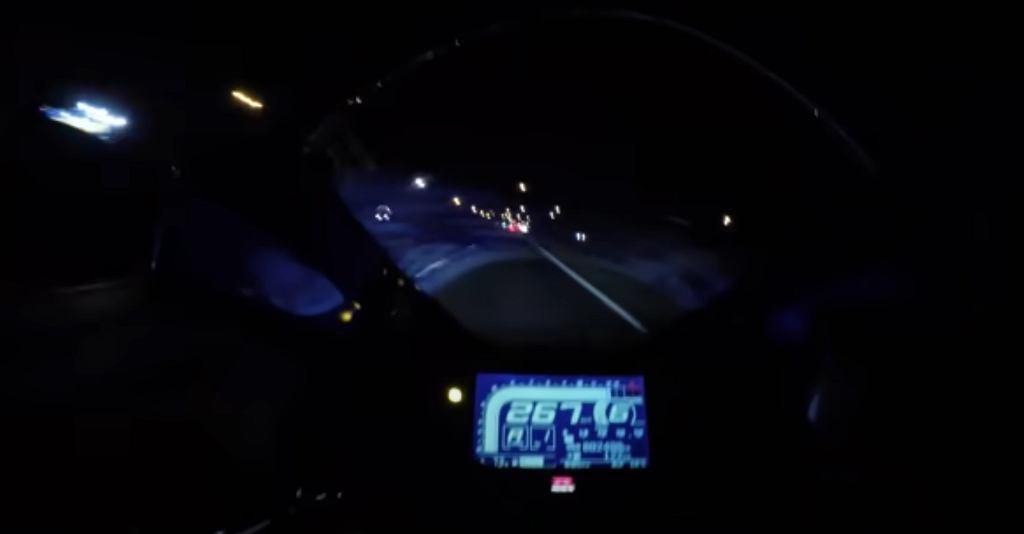 Gnał z prędkością 267 km/h. W pewnym momencie uderzył w ciężarówkę