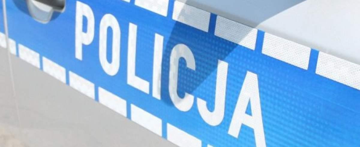 Policja zatrzymała kierowcę z zakazem. Próbował zamienić się miejscami z partnerką
