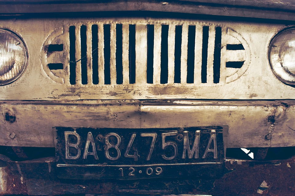 Jak prawidłowo wyrejestrować samochód?