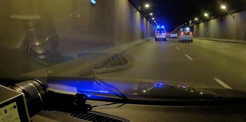 Kierowca gnał przez stolicę na sygnale... na wymianę klocków hamulcowych/ITD