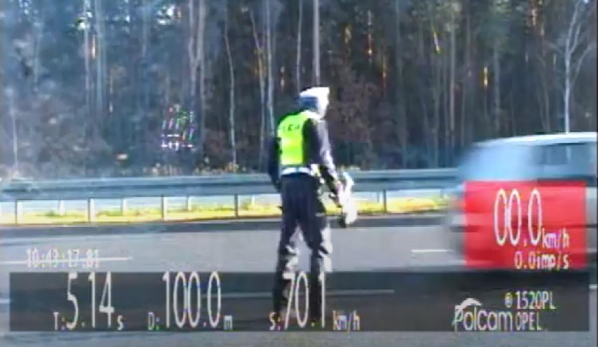 Policja ścigała uciekającego kierowcę Golfa