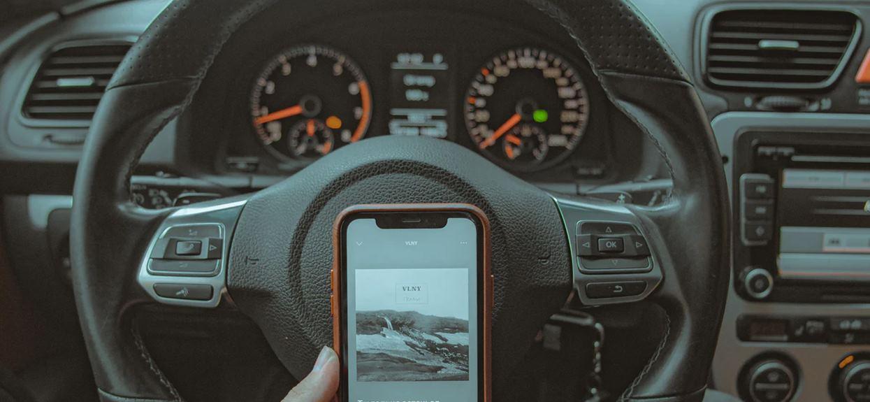 Kradzieże samochodów sparowanie smartfona
