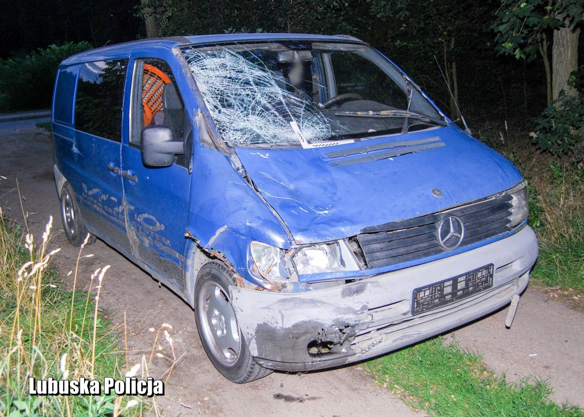 Rozbity Mercedes Vito