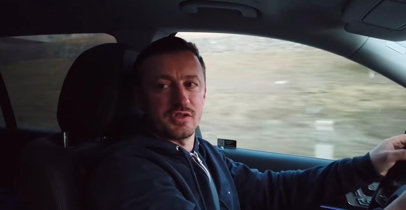 Adam Małysz jeździ Mercedesem