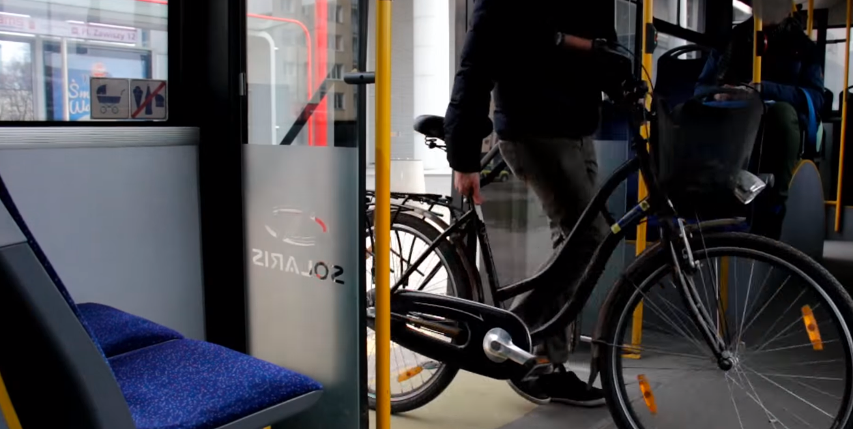 Rower przewóz w autobusie