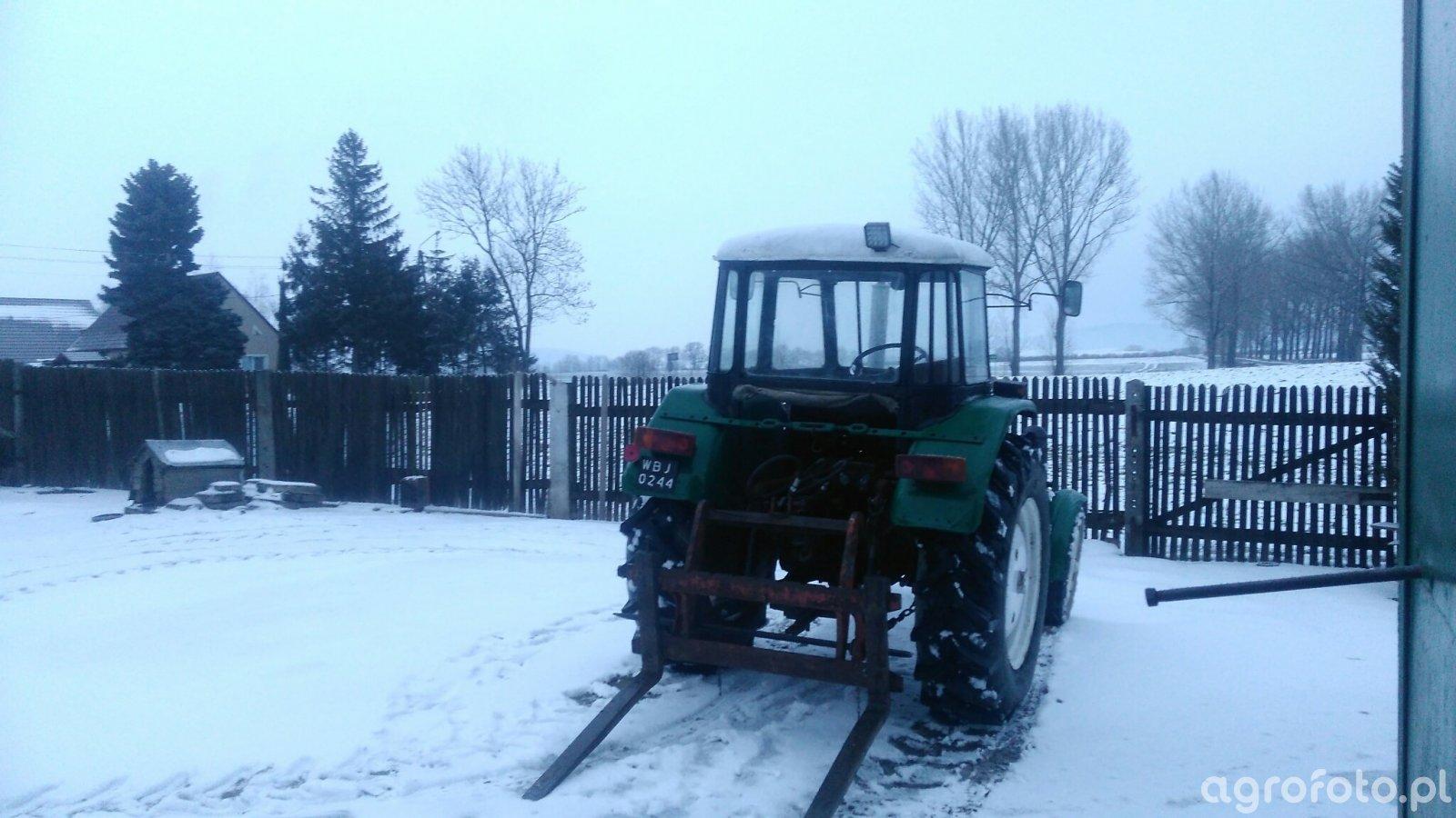 Policja zatrzymała traktorzyste.