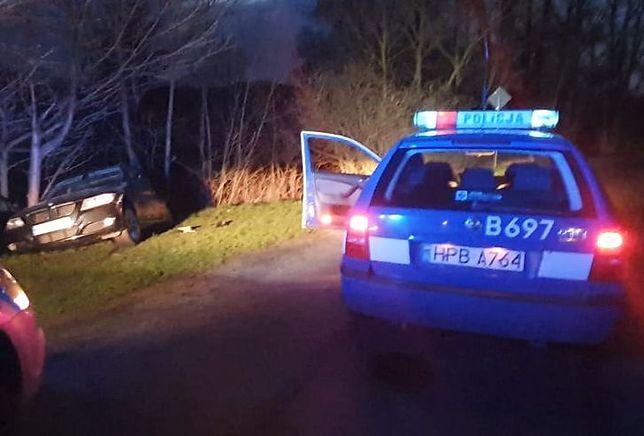Policjanci zatrzymali po pościgu 43-letniego kierowcę BMW. Mężczyzna podczas ucieczki potrącił funkcjonariuszkę