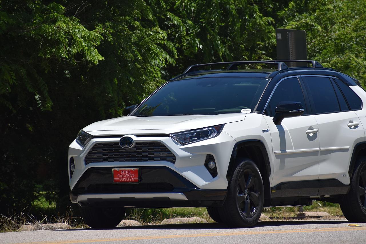 Toyota RAV4 – doskonały SUV na każdą okazję