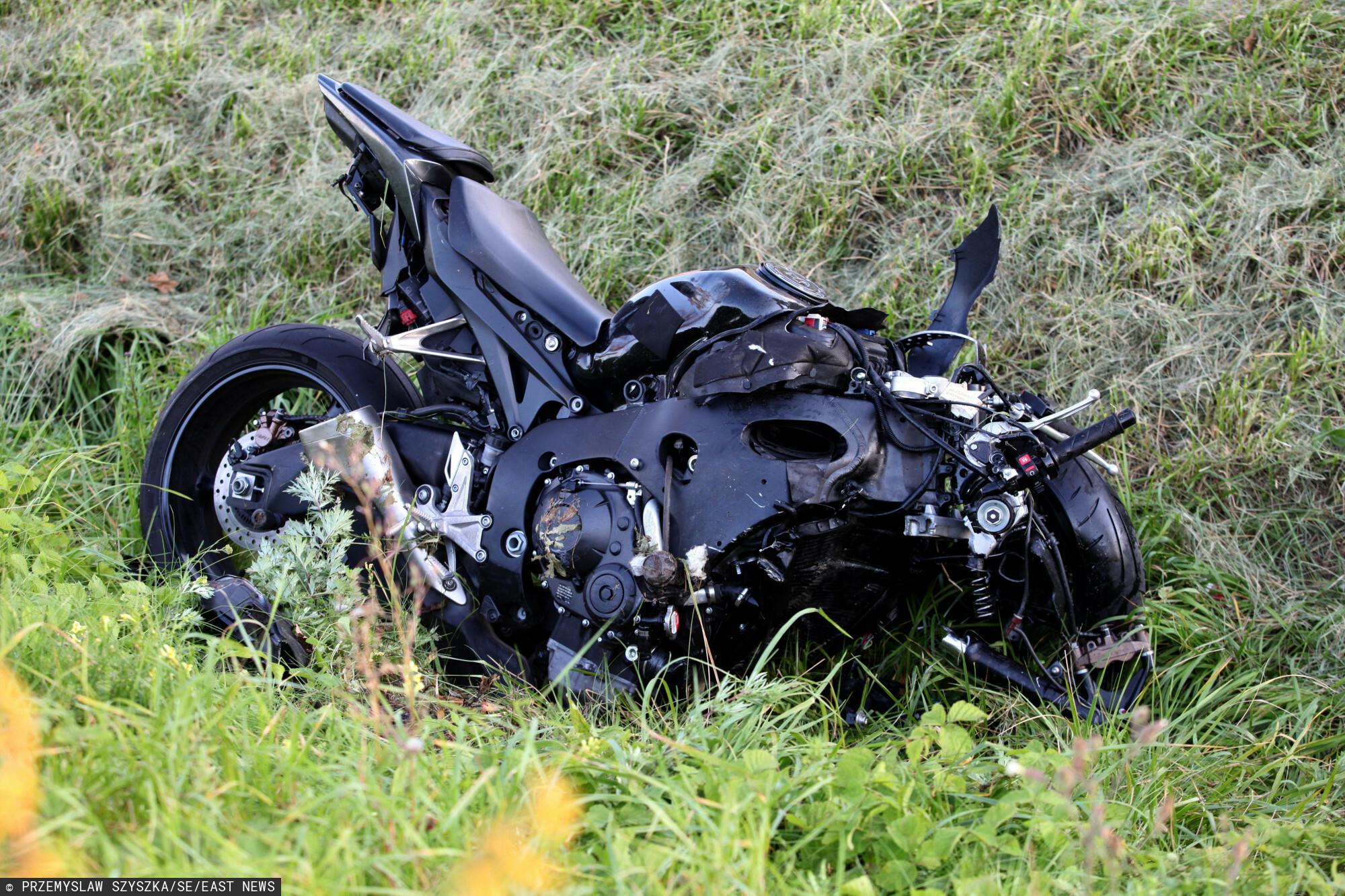 Śmiertelne potrącenie motocyklisty. Zdjęcie pogądowe: PRZEMYSLAW SZYSZKA/SE/EAST NEWS