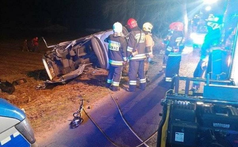 19-latek doprowadził do wypadku. Nie miał prawa jazdy. Zginęły dwie osoby