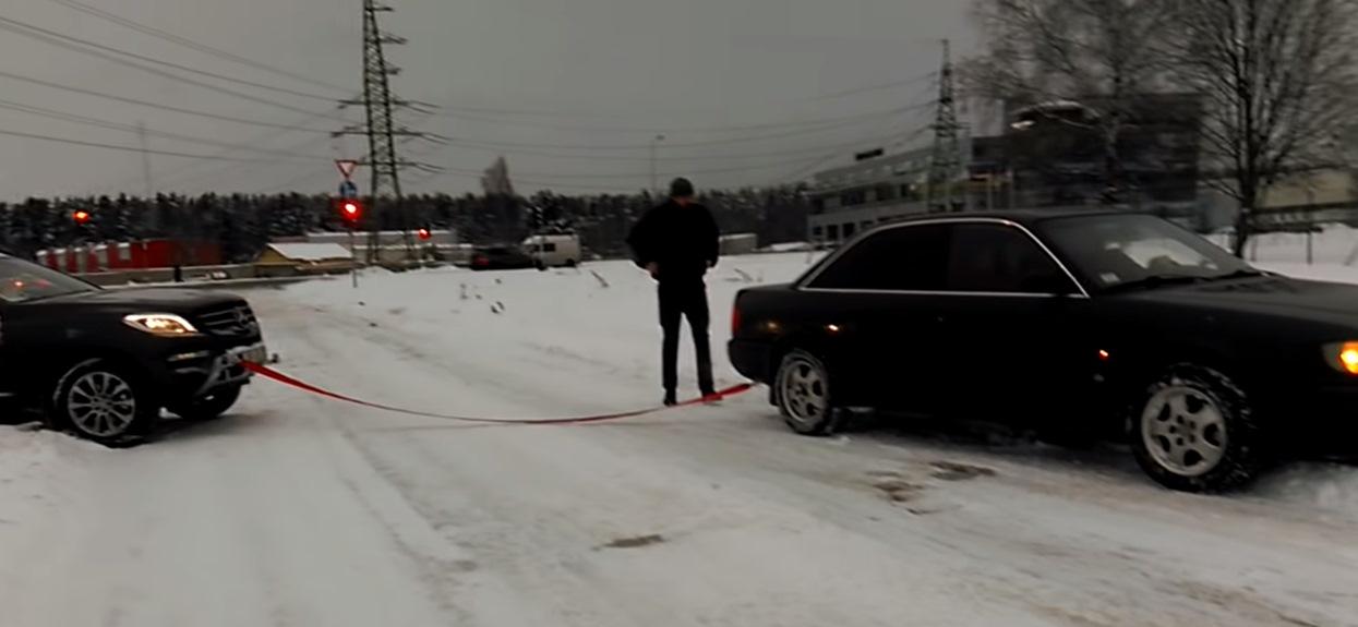 Audi Quattro wyciąga Mercedesa