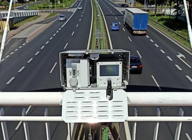 Kierowcy nie będą zadowoleni. Nowy fotoradar to bat na piratów drogowych.