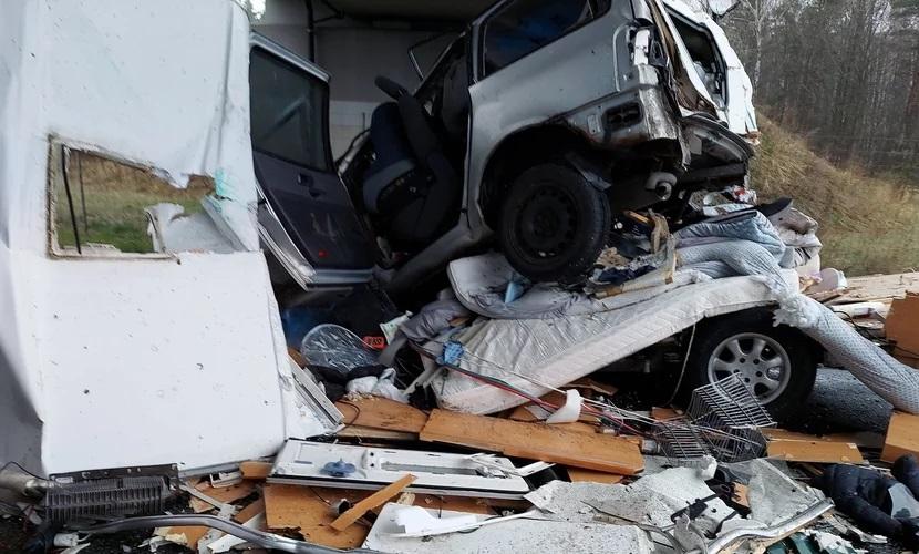 Tragiczny wypadek na S1. Zginęła matka i jej niemowlę. Źródło: Facebook/Fasthol @Bedzin112