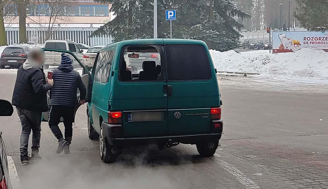 Kierowca prowadził pod wpływem środków odurzających. Świadkowie próbowali go zatrzymać