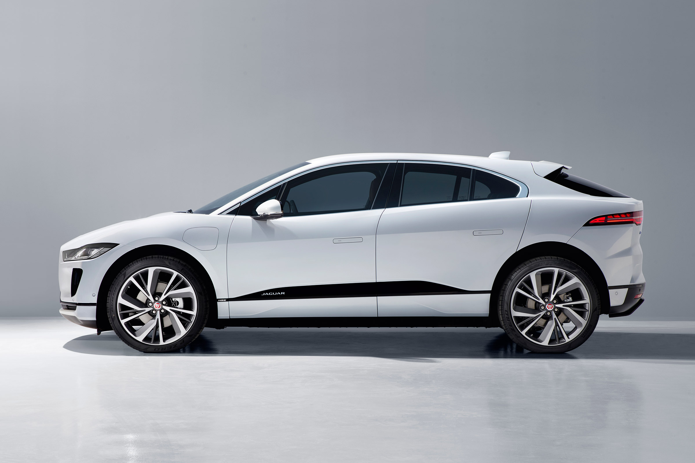 Jaguar rezygnuje z silników spalinowych