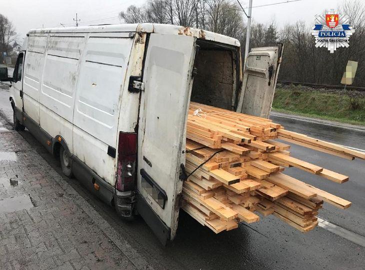 Kierowca otrzymał mandaty na ponad 2 tysiące złotych