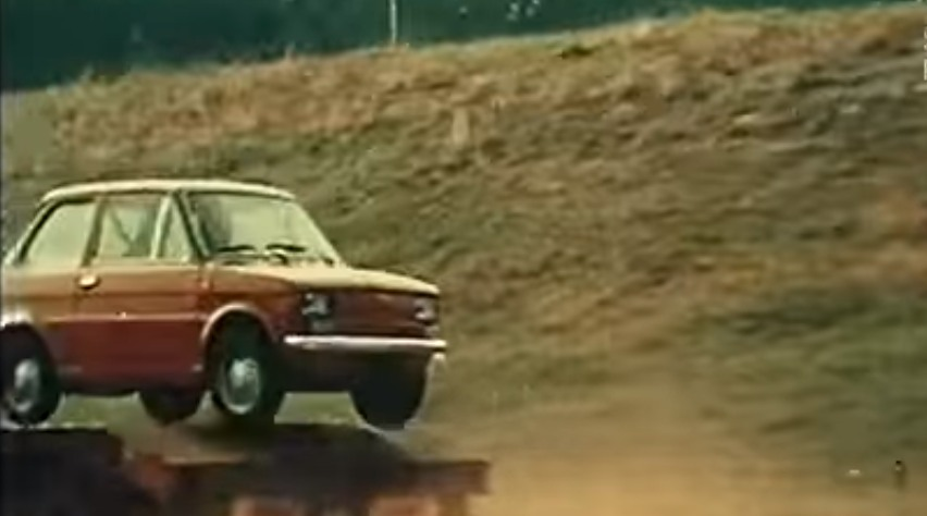 Fiat 126p akrobacje